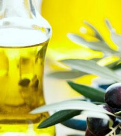 el_aceite_de_oliva_forma_parte_del_grupo_de_grasas_saludables