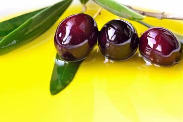 """Similitud entre el Aceite de Oliva y los """"Zumos de Fruta Naturales"""".-"""